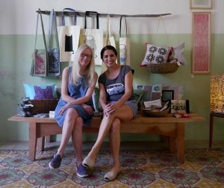 Volunteers Pam y Pam